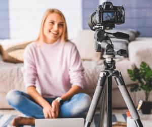 easy to do it and legit ways ot earn money online 2020 vlogging